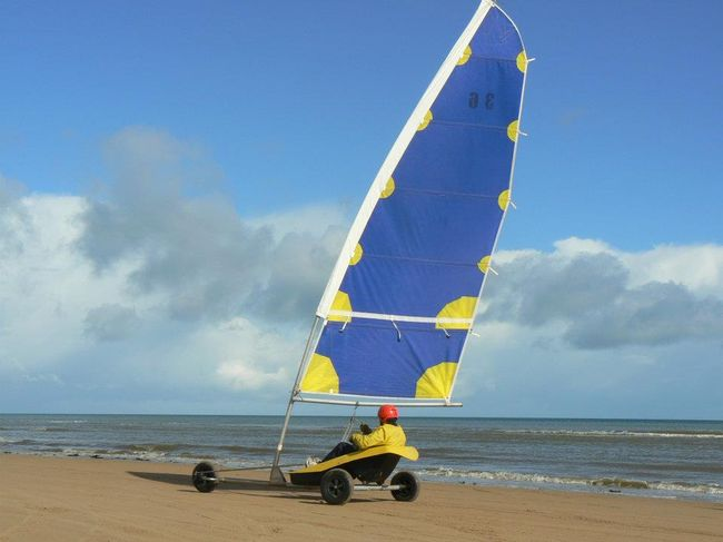 Eolia Normandie Char A Voile Toute L Annee A Omaha Beach Pour Tous Seminaire Sportif Individuel Famille Groupe Ecole